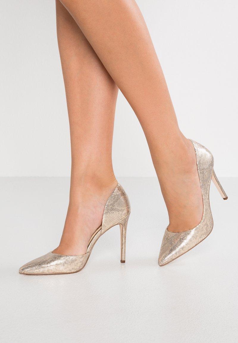 Jessica Simpson - PRIZMA - High heels - karat goldgolden