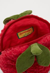 Jellycat - AMUSEABLE STRAWBERRY BAG - Across body bag - red - 4