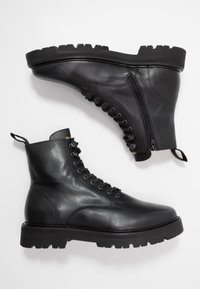 Jim Rickey - COMBAT BOOT - Šněrovací kotníkové boty - black - 1