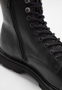 Jim Rickey - COMBAT BOOT - Šněrovací kotníkové boty - black - 6