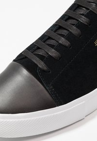 Jim Rickey - CAPPIE - Trainers - black - 5