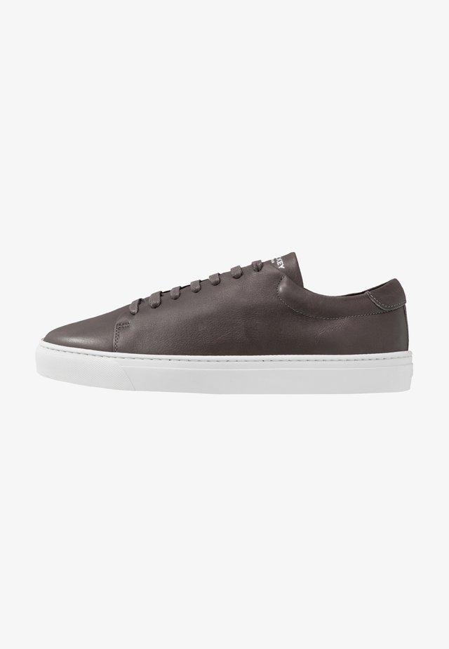 CLUB - Sneakers laag - dark grey