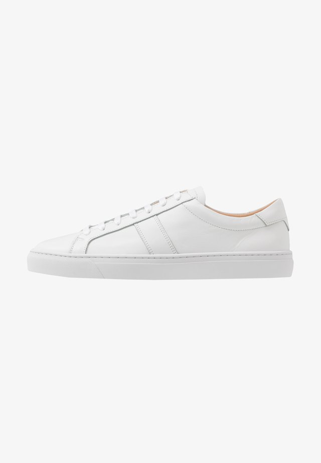 BLANK FLAT - Trainers - white
