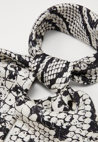 Jimmy Choo - Foulard - black - 1