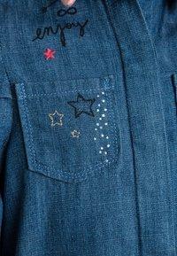 IKKS - ROBE - Robe en jean - medium blue - 2