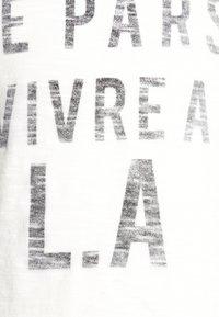 IKKS - TEE - T-shirt imprimé - blanc cassé - 2