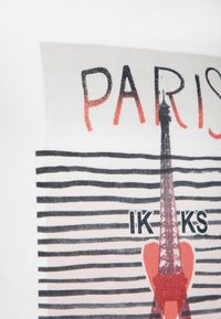 IKKS - TEE - Print T-shirt - blanc cassé - 2