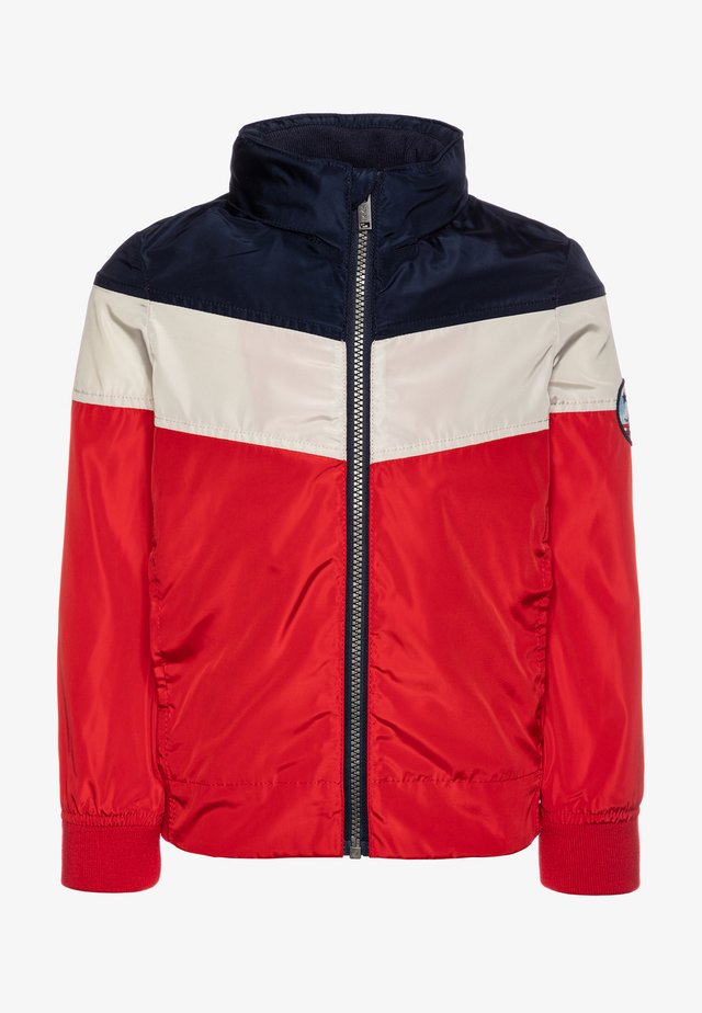 TRENCH - Light jacket - rouge moyen