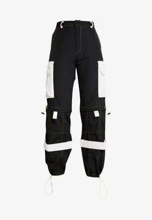 ZIP OFF OVERSIZED TROUSER - Spodnie treningowe - black/white