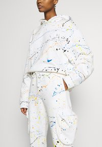 Jaded London - CUFFED JOGGER WITH SLOUCHY POCKETS - Jogginghose - off-white - 5