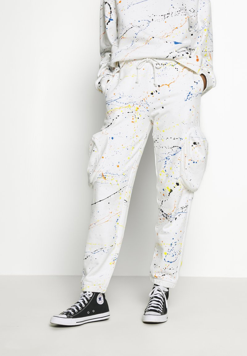 Jaded London - CUFFED JOGGER WITH SLOUCHY POCKETS - Jogginghose - off-white
