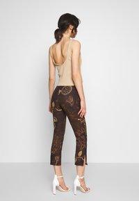 Jaded London - KICK TROUSER - Trousers - brown - 2