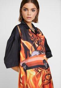 Jaded London - OVERSIZED REVERE COLLAR DRESS - Shirt dress - black - 3