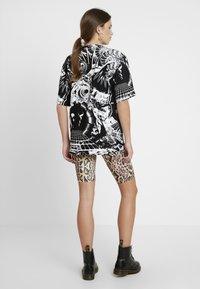 Jaded London - OVERSIZED PRINTED DRESS - Denní šaty - black/white - 2