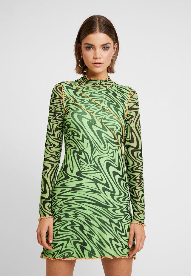 PANELLED BODYCON DRESS WITH CONTRAST BABYLOCK - Freizeitkleid - neon