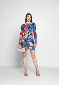 Jaded London - MINI BODYCON DRESS WITH HEART BACK DETAIL - Shift dress - retro 80's collage print - 1