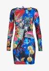 MINI BODYCON DRESS WITH HEART BACK DETAIL - Shift dress - retro 80's collage print