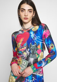 Jaded London - MINI BODYCON DRESS WITH HEART BACK DETAIL - Shift dress - retro 80's collage print - 3