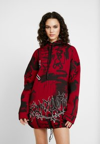 Jaded London - OVERSIZED DRAWCORD HEM HOODIE DRESS - Robe d'été - red base graffitti - 4