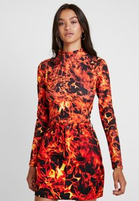 Jaded London - EXCLUSIVE HIGH NECK FLAME PRINT - Maglietta a manica lunga - black - 0