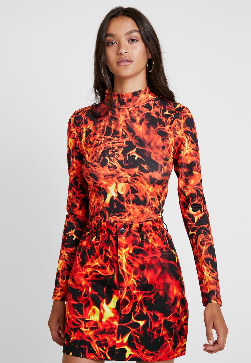 Jaded London - EXCLUSIVE HIGH NECK FLAME PRINT - Long sleeved top - black