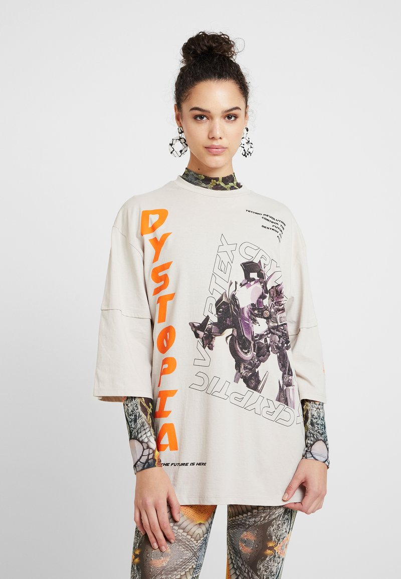 Jaded London - OVERSIZED WITH DOUBLE LAYER SLEEVE DETAIL - Print T-shirt - dystopia