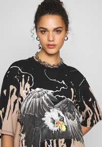Jaded London - OVERSIZED ROCK TEE - Print T-shirt - eagle print - 3