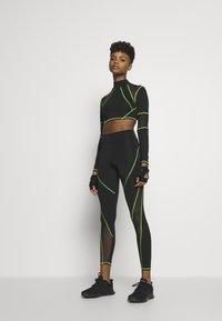 Jaded London - SPORT HIGH NECK LONG SLEEVE TOP - Long sleeved top - green/black - 1