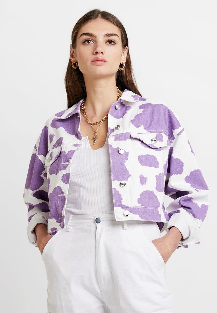 Jaded London - EXCLUSIVE PRINTED JACKET - Denim jacket - pink lilac