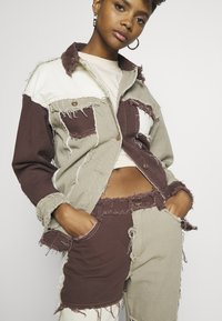 Jaded London - PATCHWORK SQUARE NECK JACKET WITH FRAYED SEAMS - Jeansjacke - brown - 4