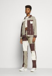 Jaded London - PATCHWORK SQUARE NECK JACKET WITH FRAYED SEAMS - Jeansjacke - brown - 1