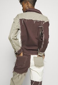 Jaded London - PATCHWORK SQUARE NECK JACKET WITH FRAYED SEAMS - Jeansjacke - brown - 6