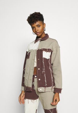 PATCHWORK SQUARE NECK JACKET WITH FRAYED SEAMS - Jeansjakke - brown