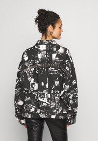 Jaded London - SLOUCHY JACKET WITH STUDDING - Denim jacket - black/white - 2