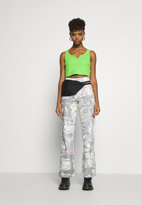Jaded London - PRINTED SLOUCHY - Džíny Relaxed Fit - multi-coloured - 1