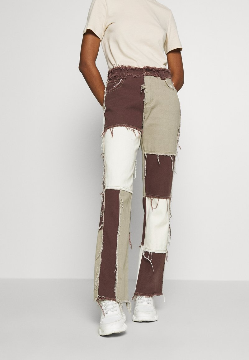 Jaded London - PATCHWORK  BOYFRIEND FIT WITH FRAYED SEAMS - Jeans baggy - brown