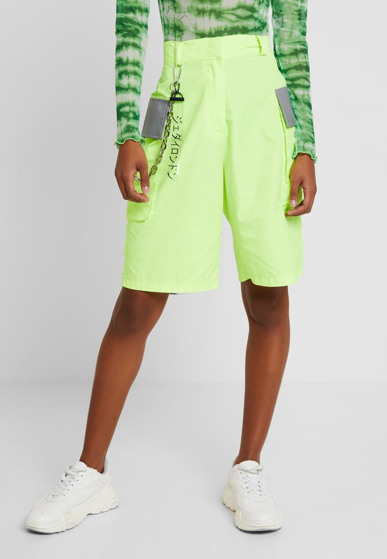 Jaded London - EXCLUSIVE COMBAT SHORTS - Shorts - neon green