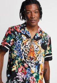 Jaded London - TIGER FLORAL REVERE  - Camisa - black - 3
