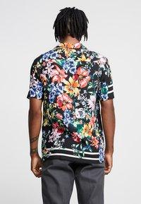 Jaded London - TIGER FLORAL REVERE  - Camisa - black - 2