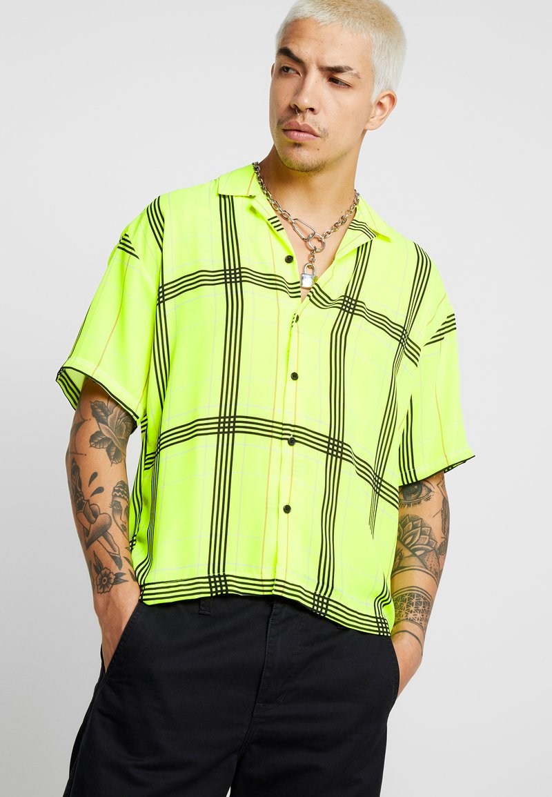 Jaded London - SHORT SLEEVE CHECK SHIRT - Koszula - neon yellow