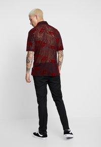 Jaded London - SHEER FLOCKED DRAGON SHIRT - Camicia - red - 2
