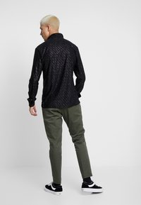 Jaded London - SPECKLED GLITTER  - Camicia - black - 2