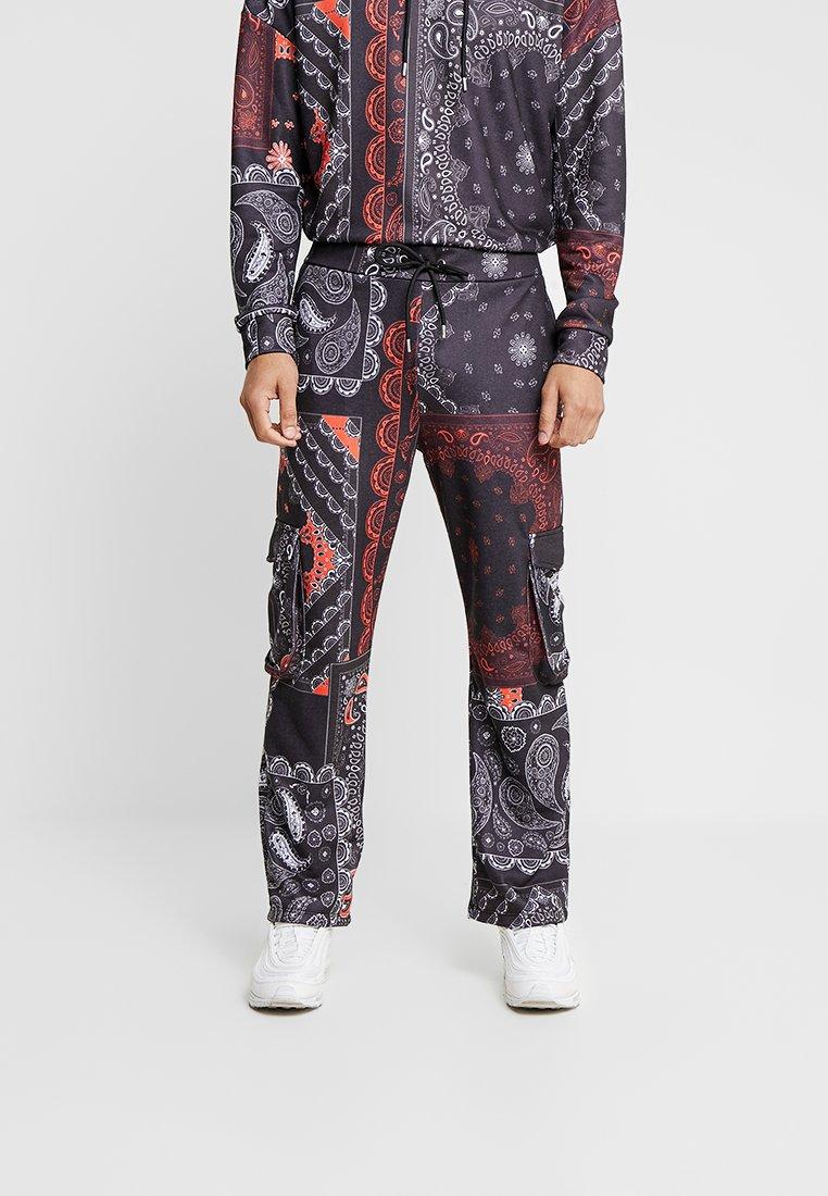 Jaded London - PAISLEY BANDANA COMBAT JOGGER - Pantalones deportivos - black/red/white