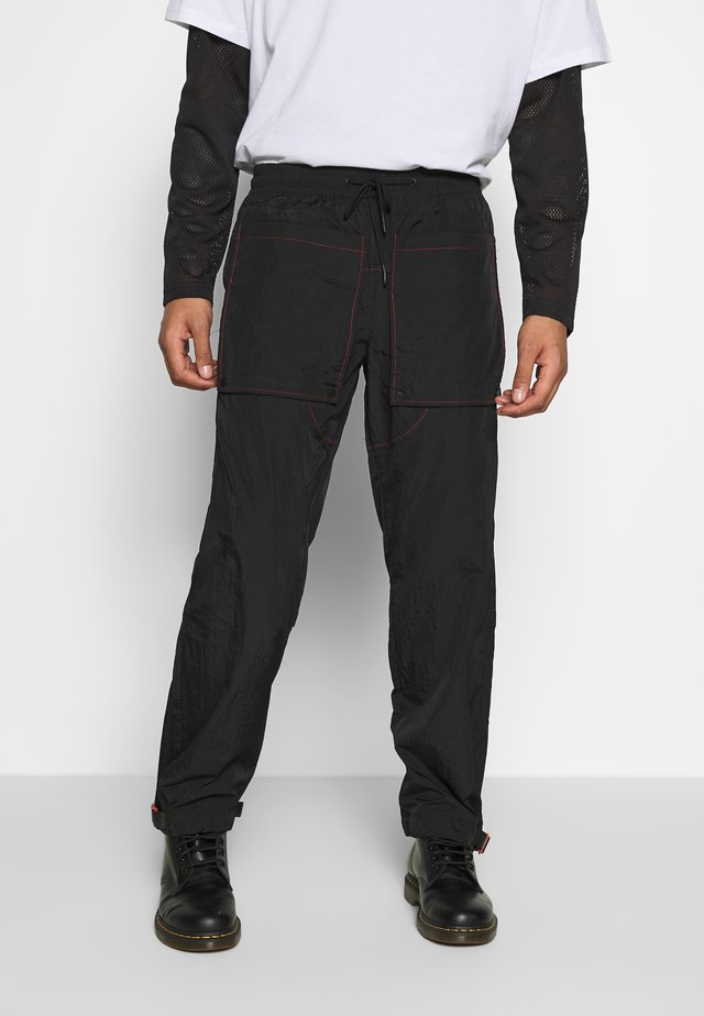 CONTRAST TECHNICAL TROUSER - Cargo trousers - black