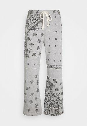 CUT AND SEW PAISLEY - Teplákové kalhoty - grey