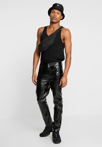 Jaded London - CROC - Pantalon classique - black - 1