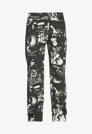 PUNK ROCK PHOTOGRAPH SKATE - Relaxed fit jeans - black