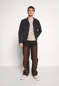 Jaded London - SAND BLAST EFFECT SKATE  - Jeans relaxed fit - black - 1