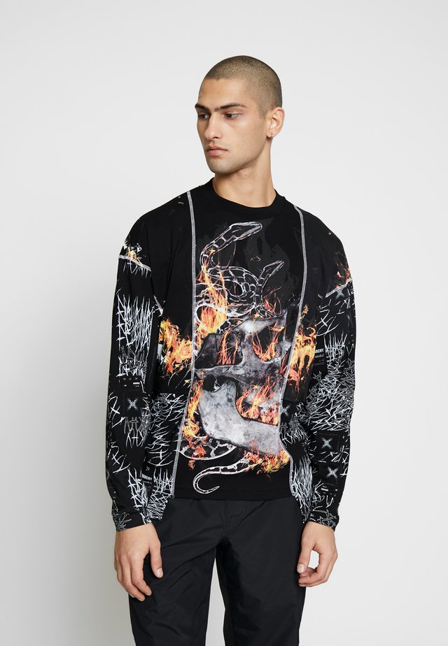 CUT AND SEW SKULL FLAME TOP - Langarmshirt - black