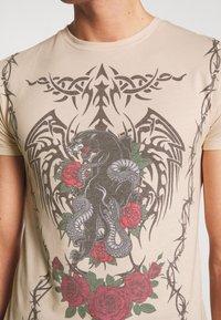 Jaded London - TATTOO - Print T-shirt - beige - 5